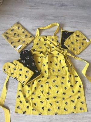 Traditional Apron black-yellow
