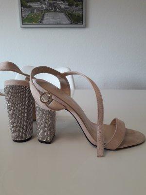 Sandalias con tacón nude