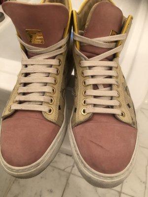 Schuh von MCM