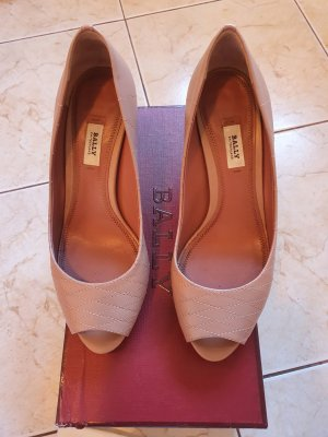 Bally Wedge Pumps nude