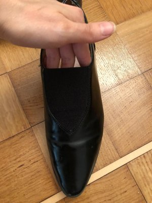 H&M Wingtip Shoes black