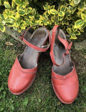Sandalo con plateau rosso