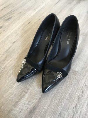 Armani Pointed Toe Pumps black