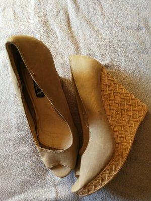 Jumex Zapatos de cuña beige
