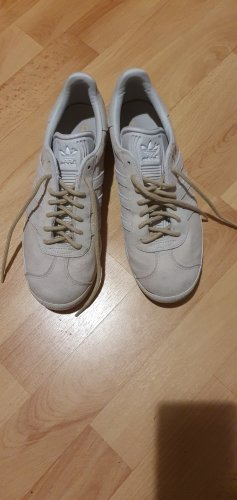 Adidas Originals Sznurowane trampki szary