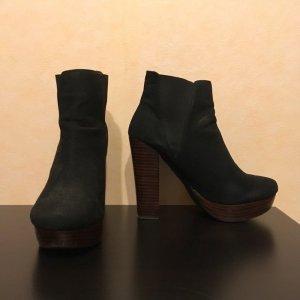 Schuhe / Boots in schwarz von Görtz, Größe 39