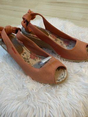 Schuhe der Marke Esprit