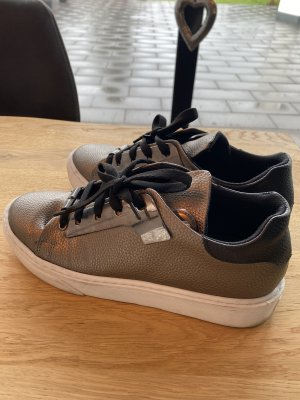 Schuhe der Marke Tanca