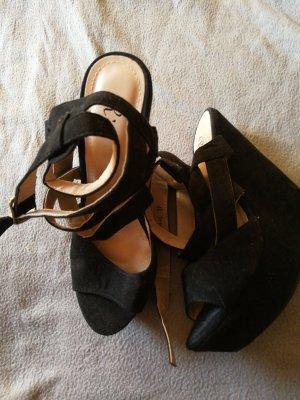 Zapatos de cuña negro