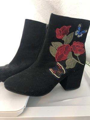 Korte laarzen zwart-rood