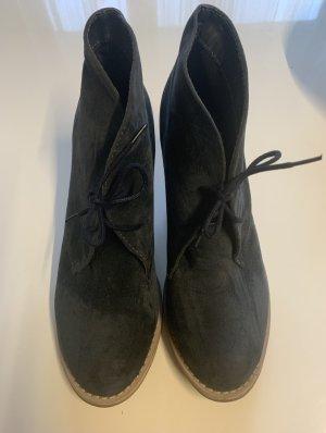 Schuhe in Größe 40