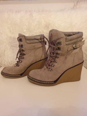 Schuhe Keilabsatz Stiefeletten Absatz in beige von GLD GR. 40