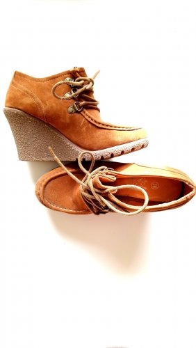 Wedge Pumps cognac-coloured