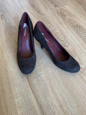 Schuhe mit kleinem Absatz