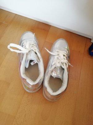 Schuhe mit leuchtende Sohle