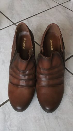 Deichmann Wedge Booties brown
