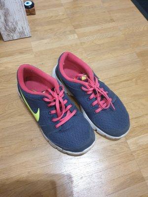 Schuhe nike 37.5