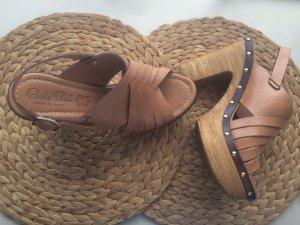 Sandalias de tacón con plataforma marrón claro