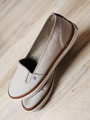 Schuhe / Slipper von Tommy Hilfiger, Größe 39, beige/braun