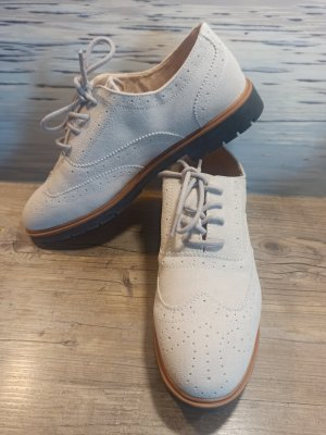 Schuhe Sneaker Halbschuh Gr. 41 ungetragen beige schwarz Budapester