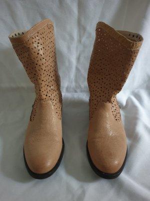 Schuhe/Stiefel