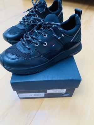 Schuhe Tommy Hilfiger aus echtem Leder Größe 37