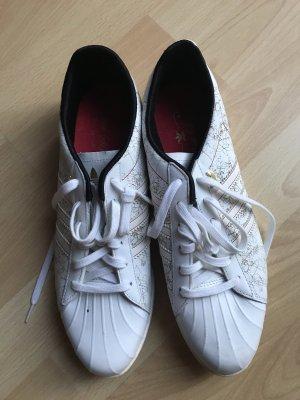 Schuhe von Adidas