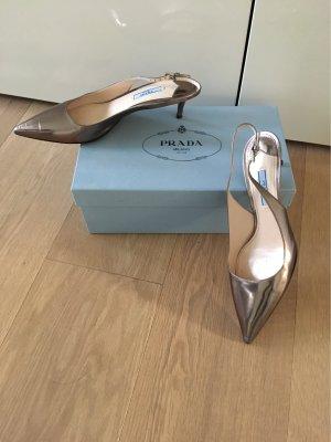 Schuhe von der Marke:  PRADA