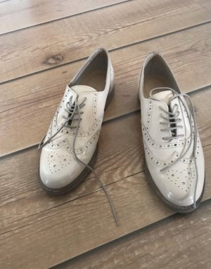Esprit Wingtip Shoes cream
