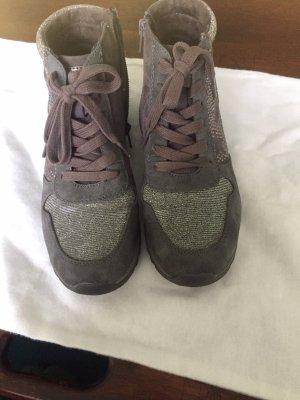 Schuhe von Jana