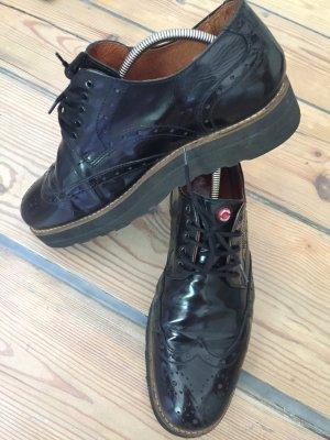 Schuhe von Nobrand