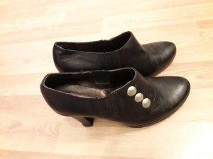 Schuhe von Virus