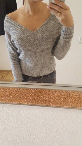 Schulterfreier Pulli