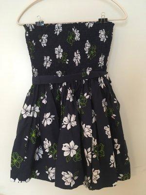 Schulterfreies Kleid Hollister
