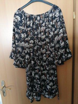 Schulterfreies Kleid mit schönem Muster