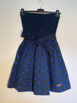 Schulterfreies Kleid von Hollister