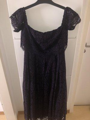 Schulterfreies Midi Kleid aus Spitze