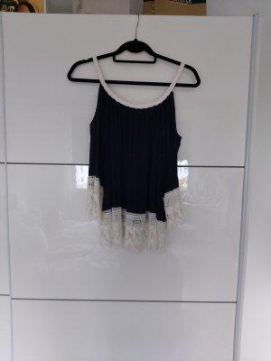 AIKI KEYLOOK Off-The-Shoulder Top white-dark blue