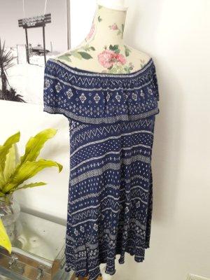 Schulterfreies Sommerkleid mit Carmen Ausschnitt