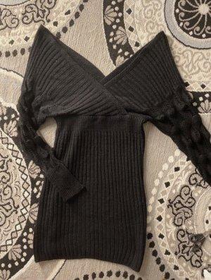 Schulterfreies strickkleid