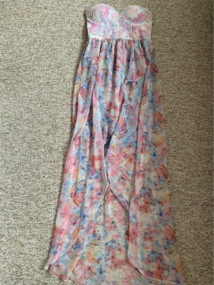 Schulterfreies Vokuhila Kleid im Batiklook
