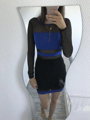 schwarz-blaues Kleid mit Netzeinsätzen