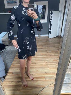 Schwarz geblümtes Kleid von Jaqueline de Yong Gr 38