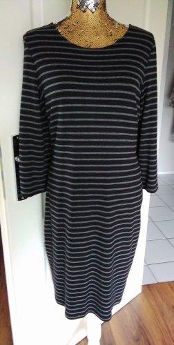 schwarz/grau geringeltes Kleid
