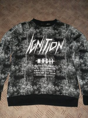 Schwarz Grauer Pullover