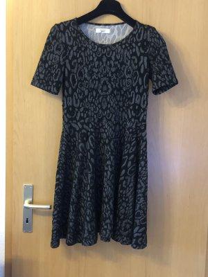 Schwarz-Graues Kleid von Nümph