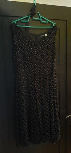 schwarz weiß gepunktetes Cocktailkleid