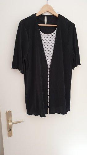 Schwarz-weiß gepunktetes Shirt