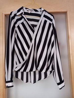 Schwarz- weiß gestreifte Bluse
