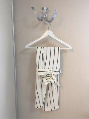 Schwarz-Weiß gestreifte Paperbag Hose von Cambio